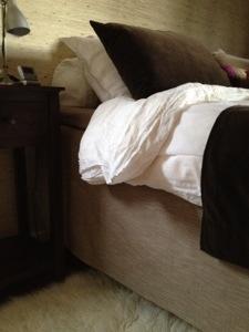 En sängkappa gör stor skillnad! Här min vintriga från Bemz (tyg: Tegnér Melange Sage Brown).