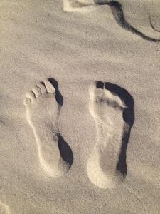 Du och ditt hälsoansvar på en promenad - kanske snart längs efter en strand nära dig.